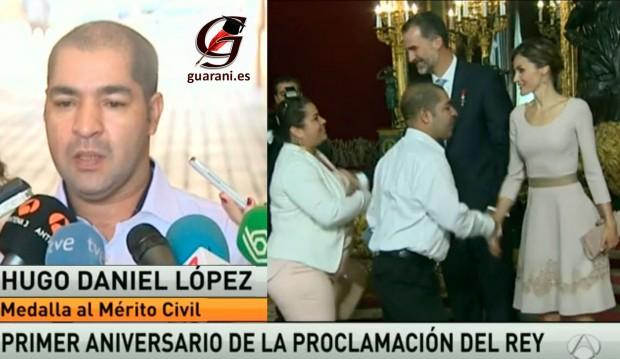 Don Felipe impone medalla al mérito a  paraguayo.